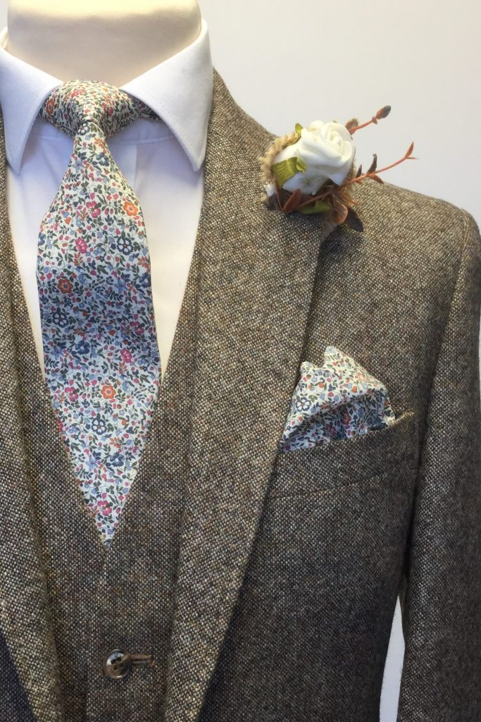 Brown Heritage Tweed Mens Hire Wedding Suit with Liberty tie