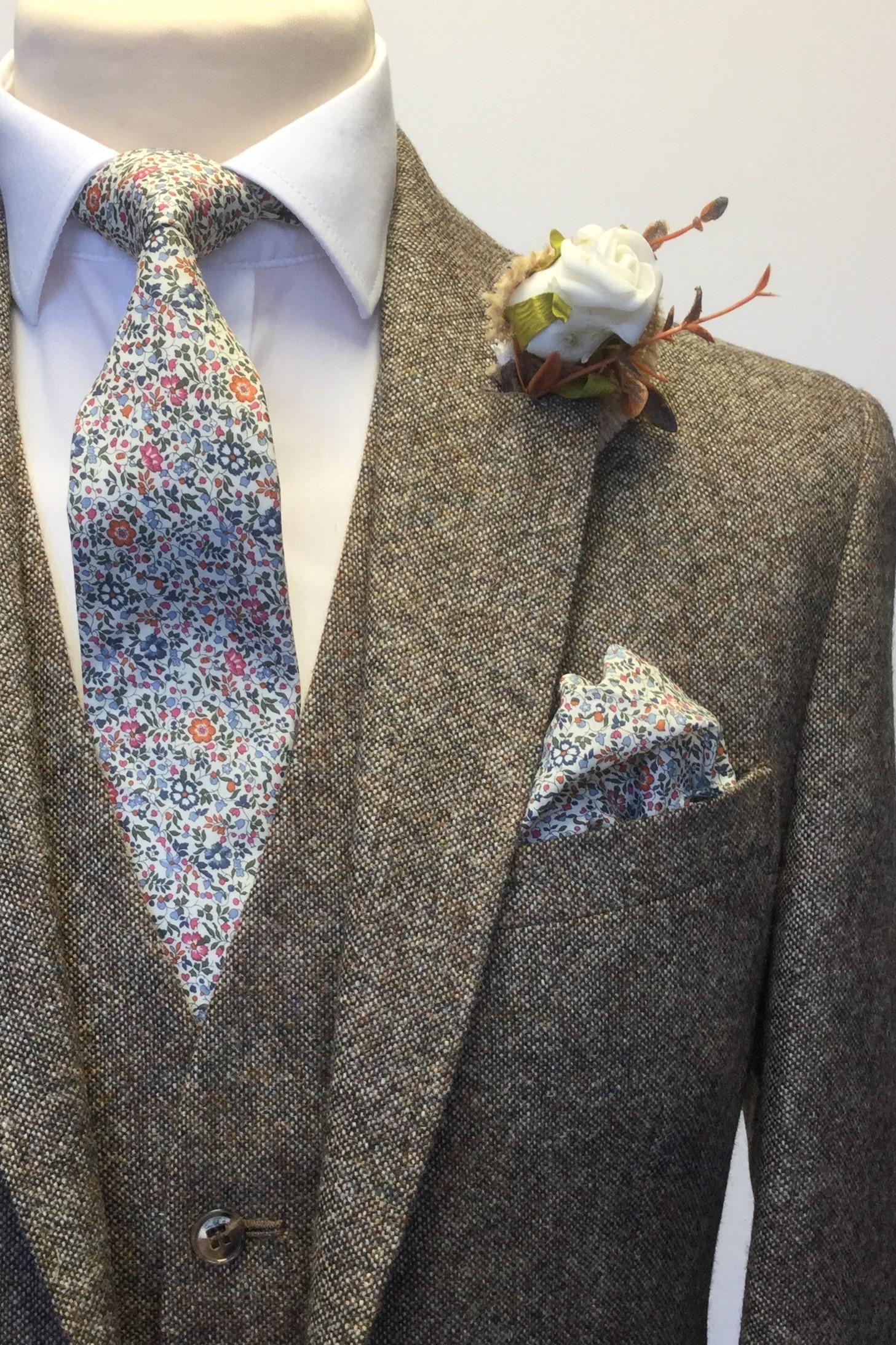 Brown Heritage Tweed Mens Hire Wedding Suit with Liberty tie