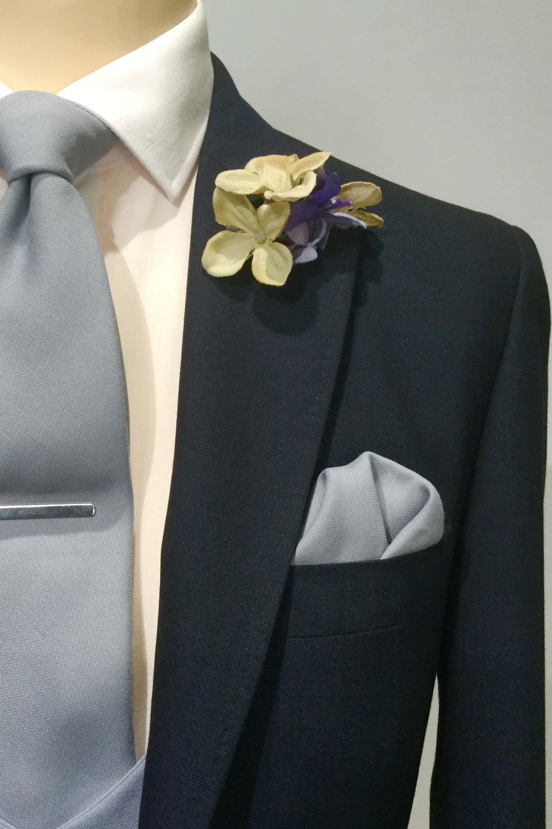 Navy Lounge Mens Wedding Hire suit with grey tie by Black Tie Menswear